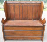 Small Oak Hall Settle